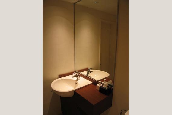 washroom11.jpg